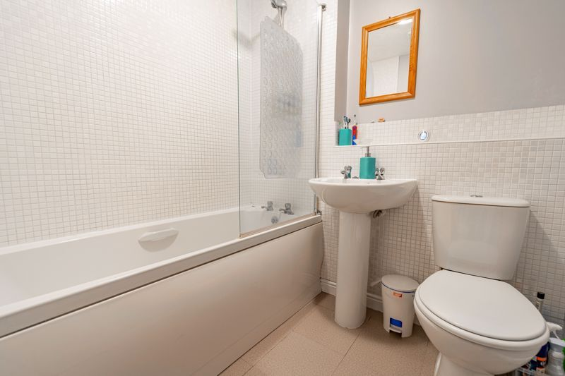 2 bed house for sale in Maiden Way  - Property Image 11