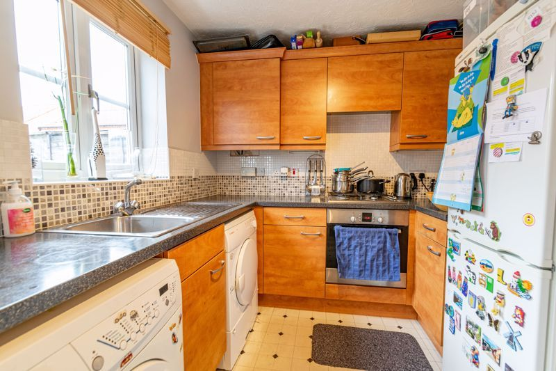 2 bed house for sale in Maiden Way 4
