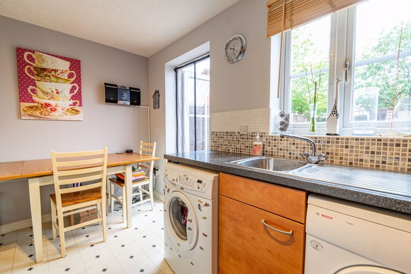 2 bed house for sale in Maiden Way 5