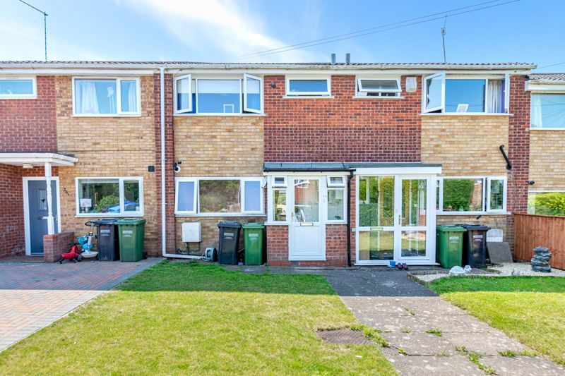 3 bed house for sale in Shaw Lane 1