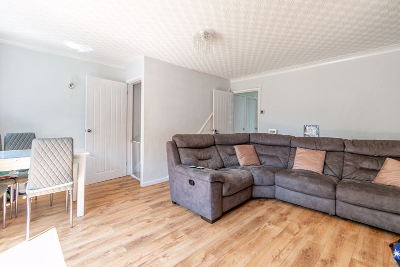 3 bed house for sale in Shaw Lane 2