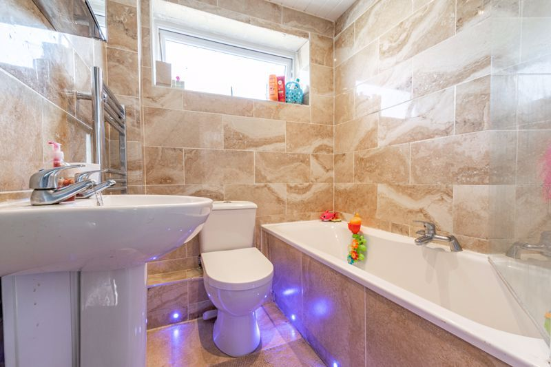 3 bed house for sale in Shaw Lane  - Property Image 11