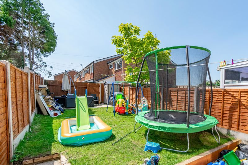 3 bed house for sale in Shaw Lane 12