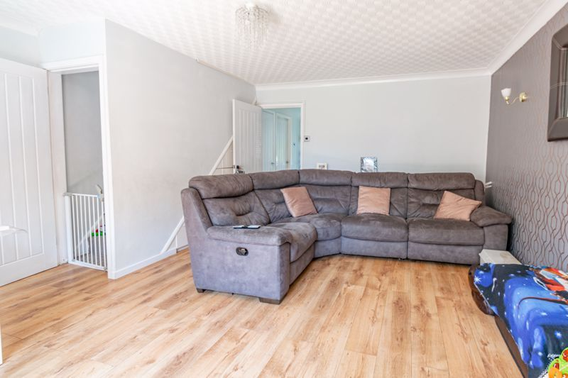3 bed house for sale in Shaw Lane 3