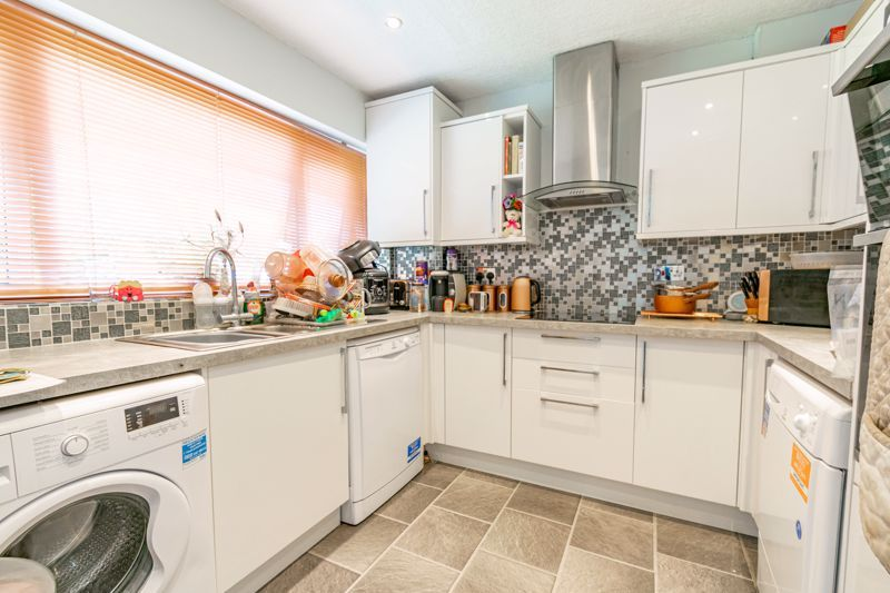3 bed house for sale in Shaw Lane 5