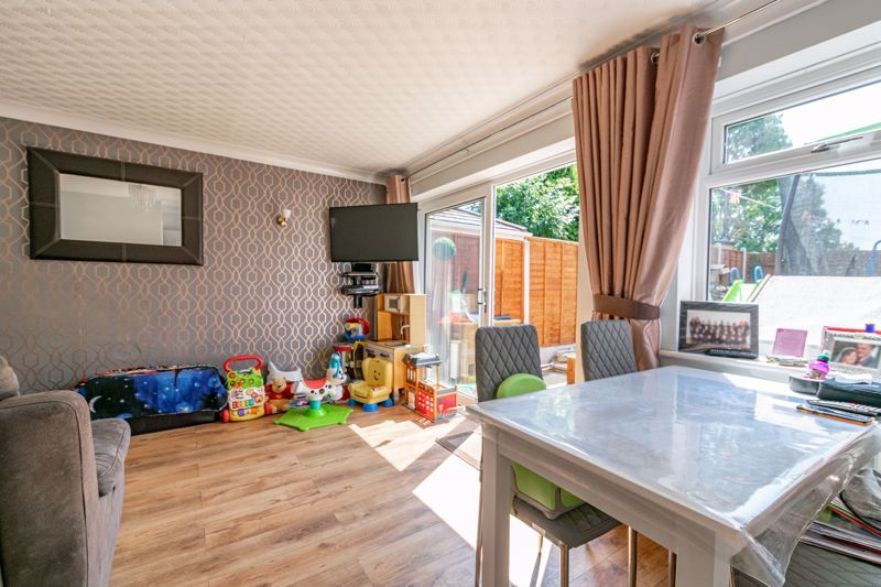 3 bed house for sale in Shaw Lane 6
