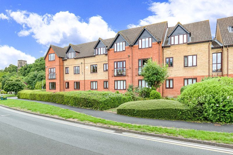 2 bed flat for sale in Woodfield Road 1