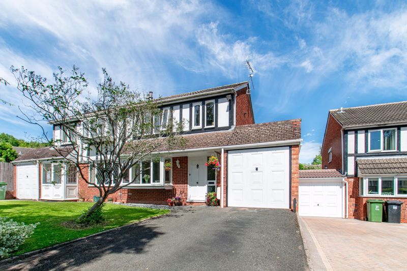 3 bed house for sale in Redstone Close - Property Image 1
