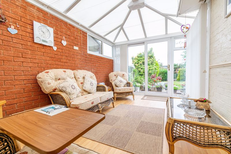 3 bed bungalow for sale in Old Birmingham Road  - Property Image 6