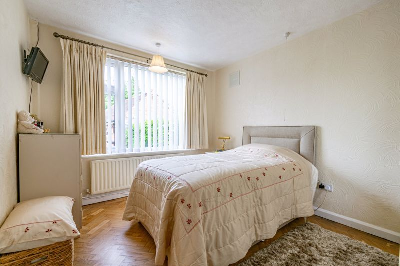 3 bed bungalow for sale in Old Birmingham Road 7