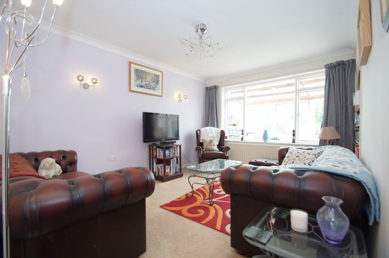 3 bed house for sale in St Johns Close 2