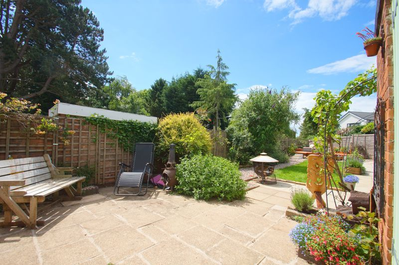 3 bed house for sale in St Johns Close 12