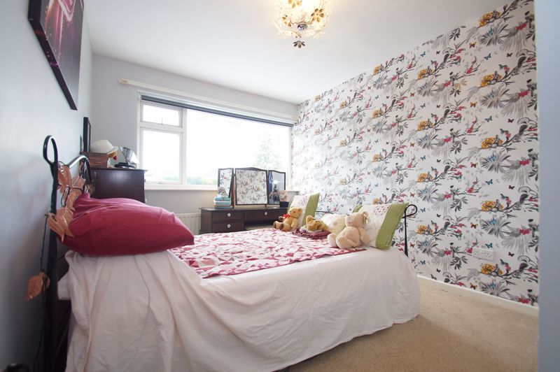 3 bed house for sale in St Johns Close 6