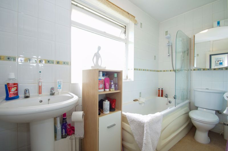 3 bed house for sale in St Johns Close 10