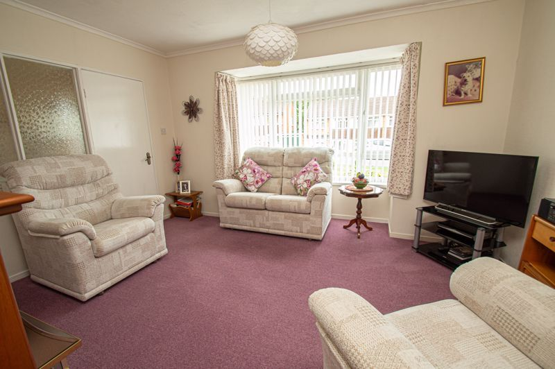 3 bed house for sale in Fordhouse Road 2