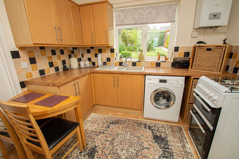 3 bed house for sale in Fordhouse Road 9