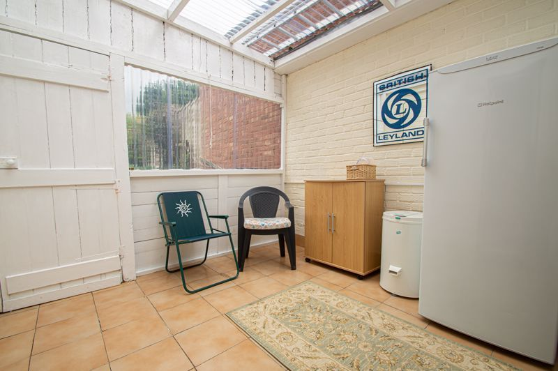 3 bed house for sale in Fordhouse Road 10