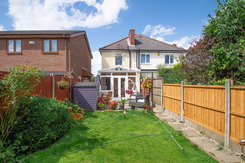 3 bed house for sale in Colley Lane 2