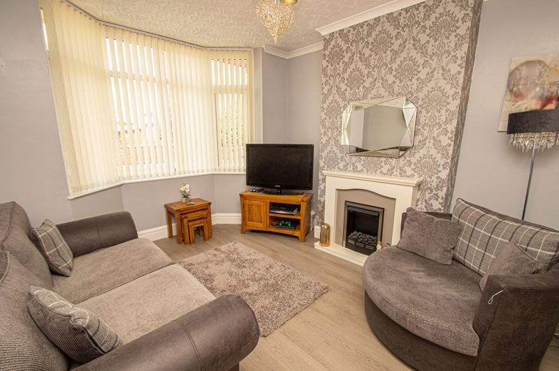 3 bed house for sale in Colley Lane 3