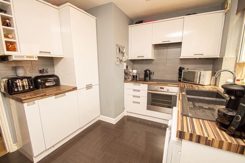 3 bed house for sale in Colley Lane 7
