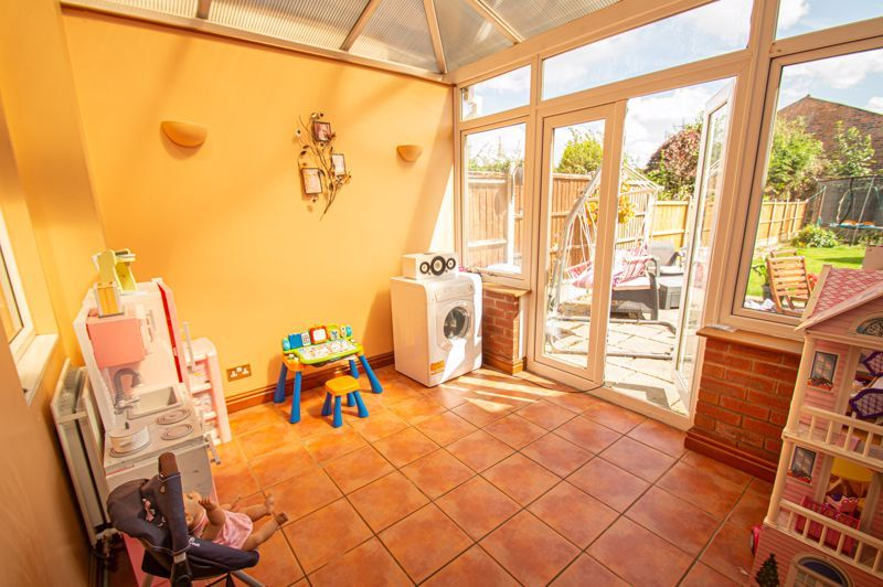 3 bed house for sale in Colley Lane 8