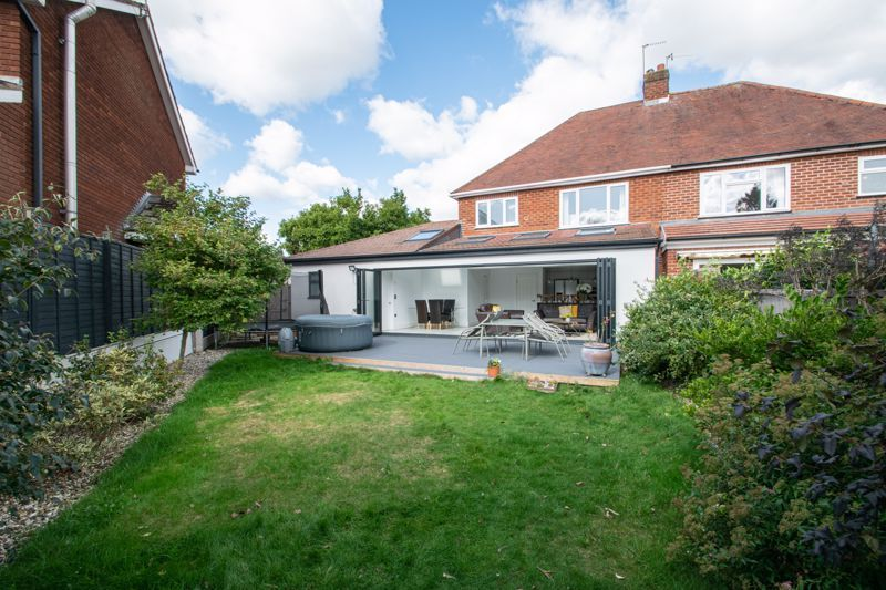 3 bed house for sale in Heath Farm Road  - Property Image 13