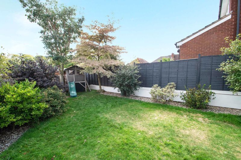 3 bed house for sale in Heath Farm Road 20