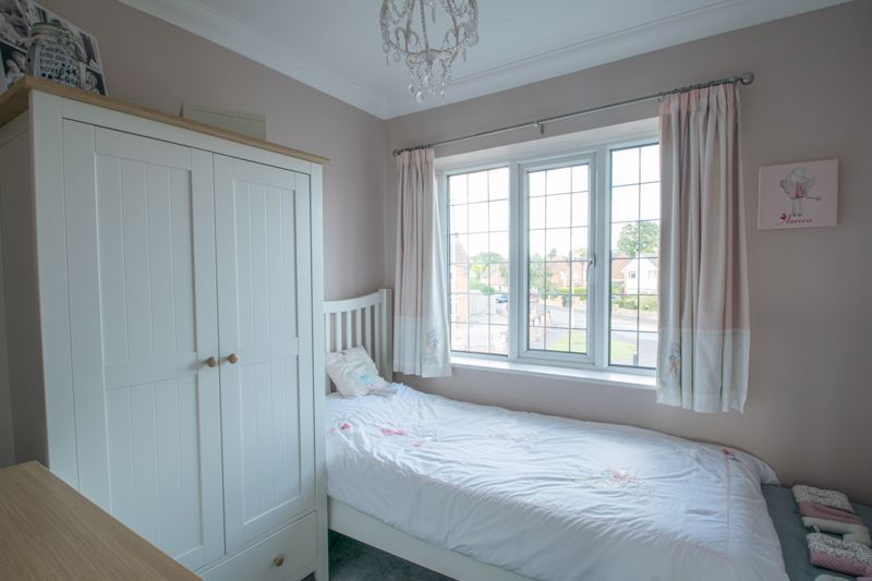 3 bed house for sale in Heath Farm Road 9