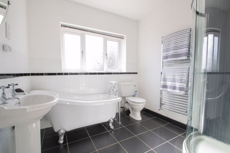 3 bed house for sale in Heath Farm Road  - Property Image 10
