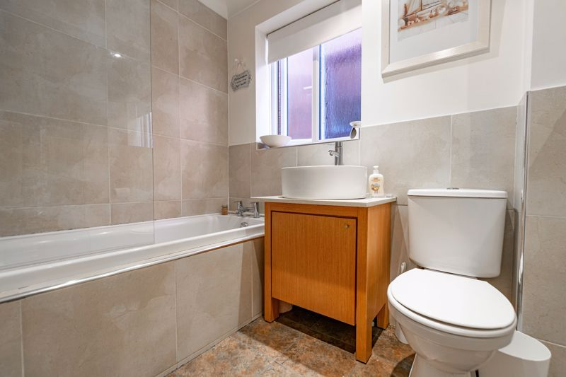 4 bed house for sale in Roman Way  - Property Image 12