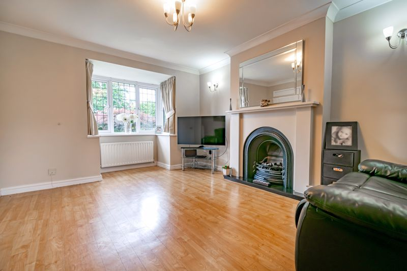 4 bed house for sale in Roman Way 3