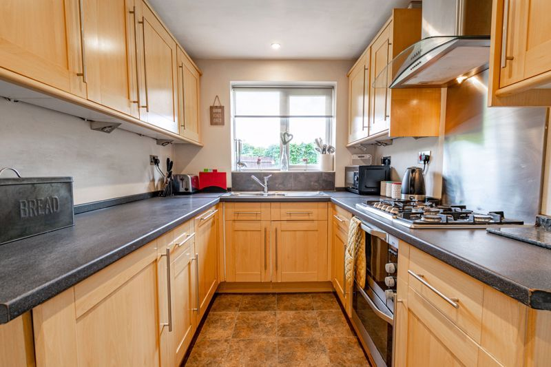4 bed house for sale in Roman Way 5