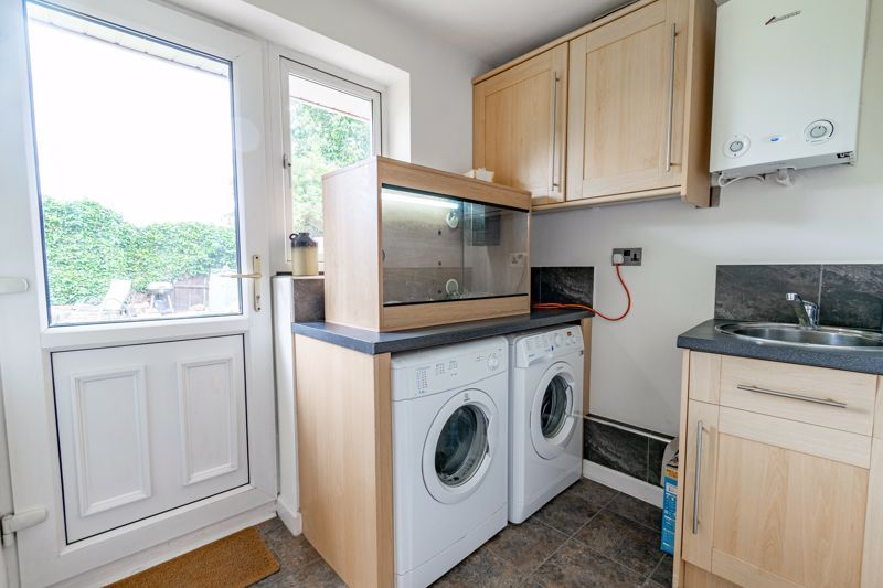 4 bed house for sale in Roman Way 6
