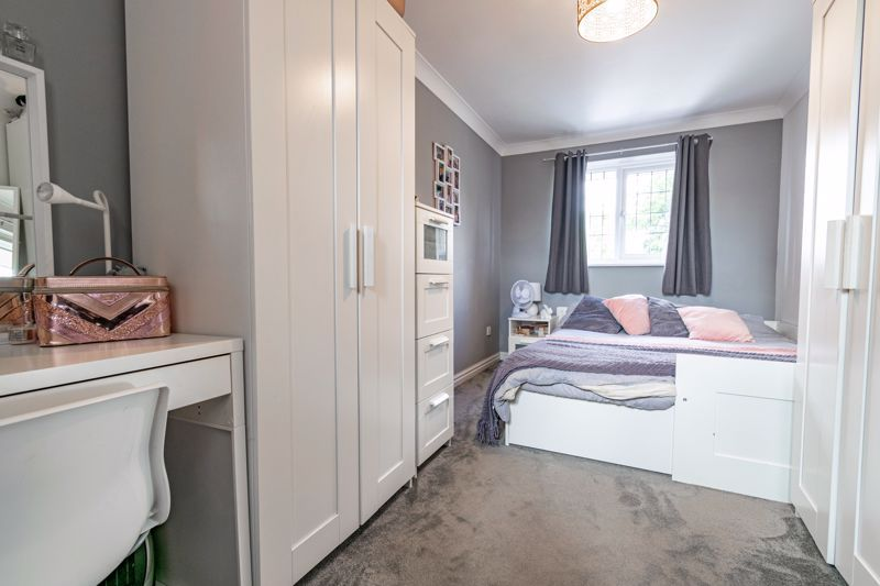 4 bed house for sale in Roman Way 9