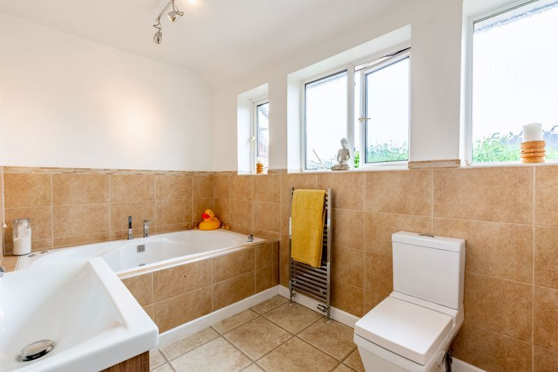 4 bed house for sale in Broughton Road 11