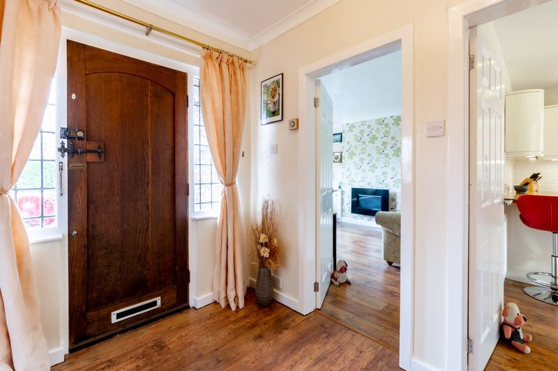 4 bed house for sale in Broughton Road  - Property Image 15