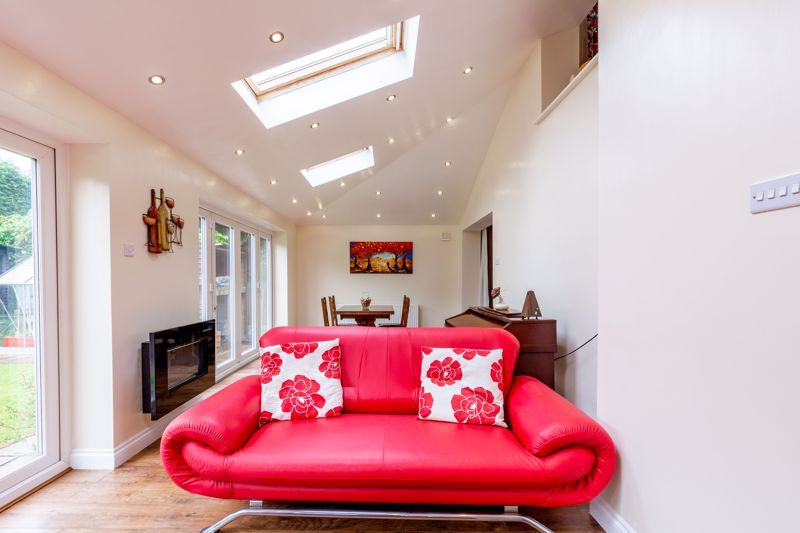 4 bed house for sale in Broughton Road 17