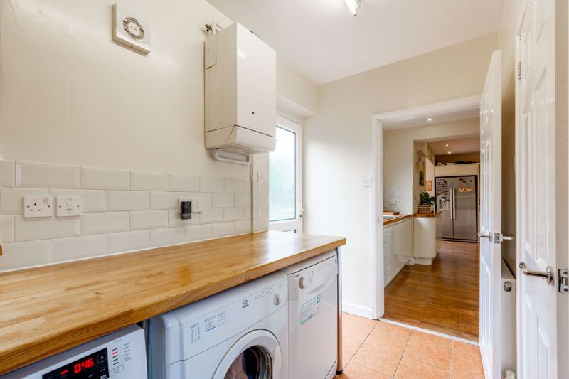4 bed house for sale in Broughton Road  - Property Image 19