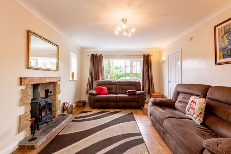 4 bed house for sale in Broughton Road 4