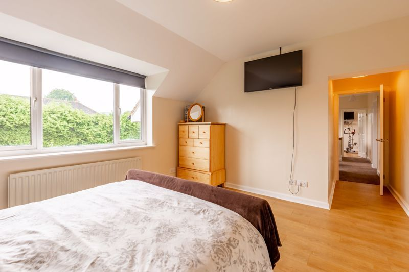 4 bed house for sale in Broughton Road 7