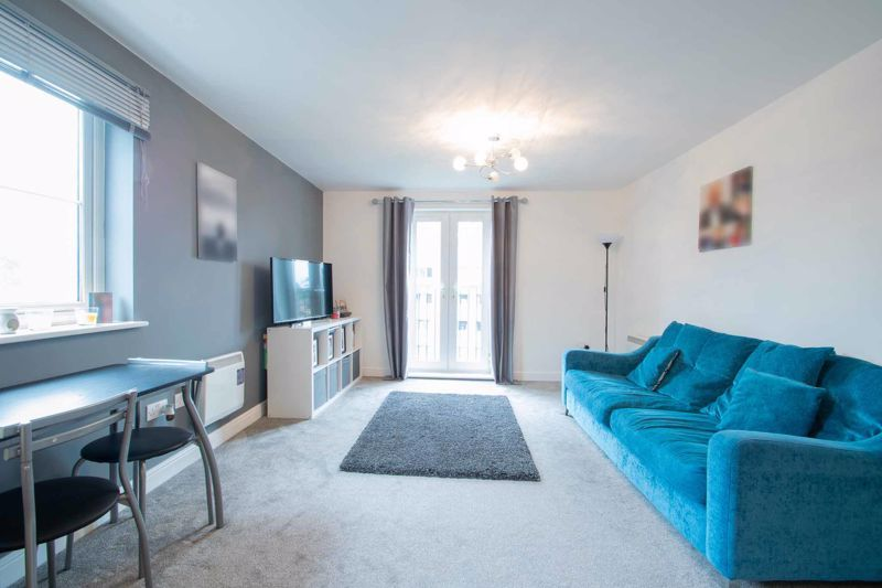 2 bed flat for sale in Hereford Road 3