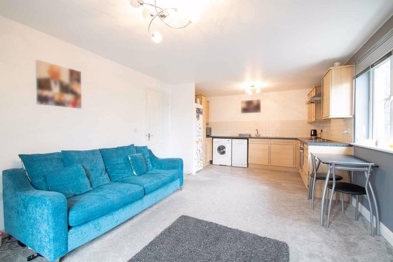2 bed flat for sale in Hereford Road 4