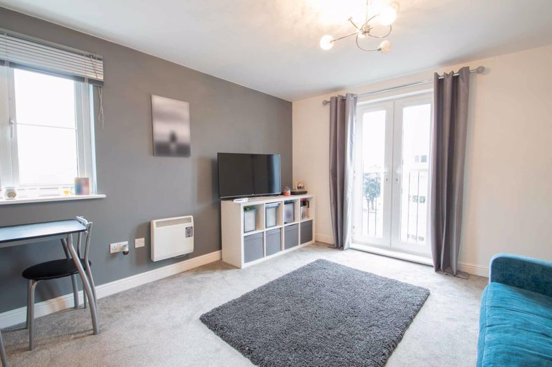 2 bed flat for sale in Hereford Road 6