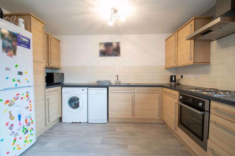 2 bed flat for sale in Hereford Road 7
