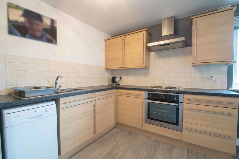 2 bed flat for sale in Hereford Road 8