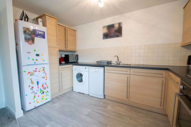 2 bed flat for sale in Hereford Road 9