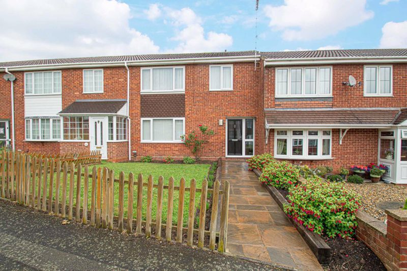3 bed house for sale in Winstone Close 1