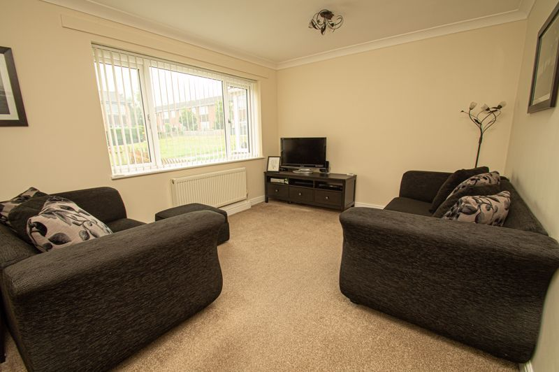 3 bed house for sale in Winstone Close 2