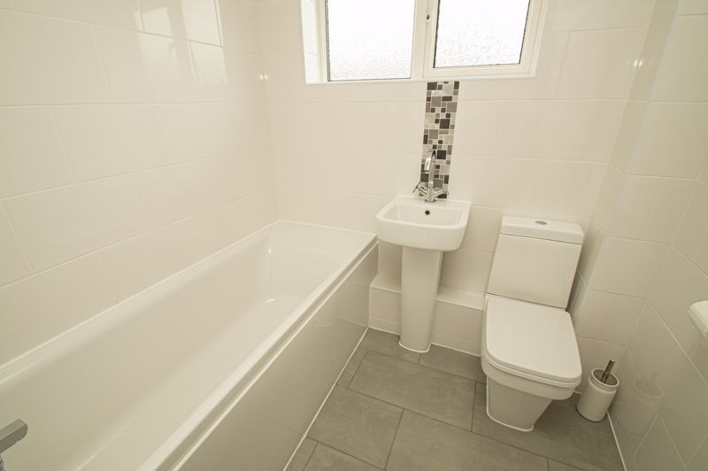 3 bed house for sale in Winstone Close 11