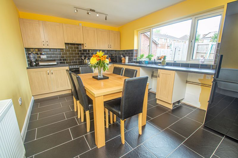 3 bed house for sale in Winstone Close 3